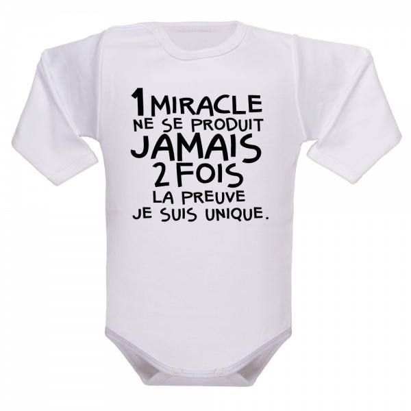Un vêtement de naissance original comme bébé !