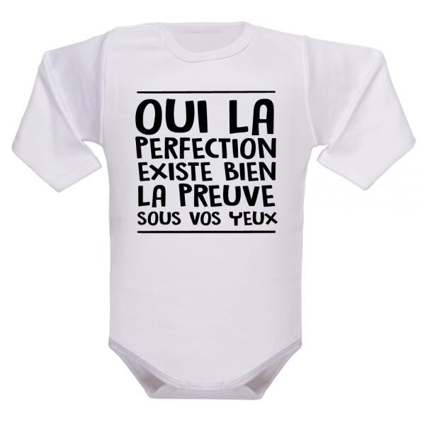 Le vêtement de naissance rigolo qu'il faut pour souligner la perfection de bébé !