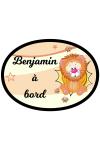Sticker lion bébé à bord à personnaliser au prénom du bébé