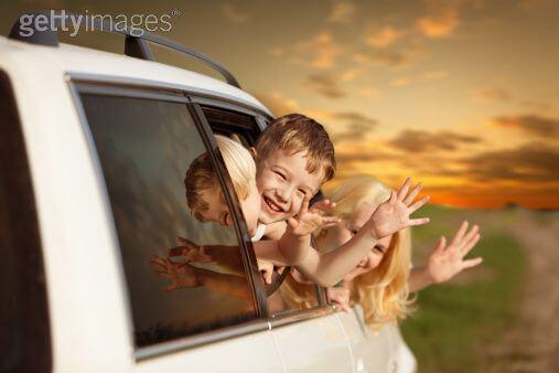 voyage-en-voiture-bébé